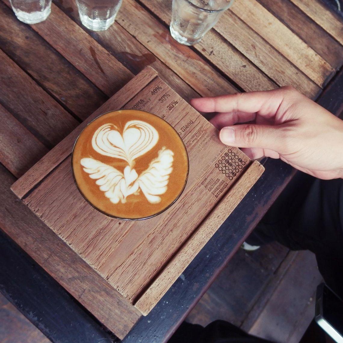 Obrazek - Latte art – sztuka malowania mlekiem po kawie